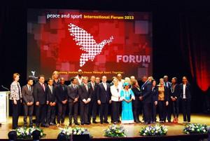 Les champions de la Paix sont invités sur scène