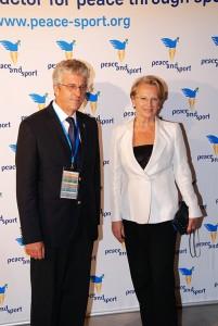 Mme Michèle Alliot-Marie
